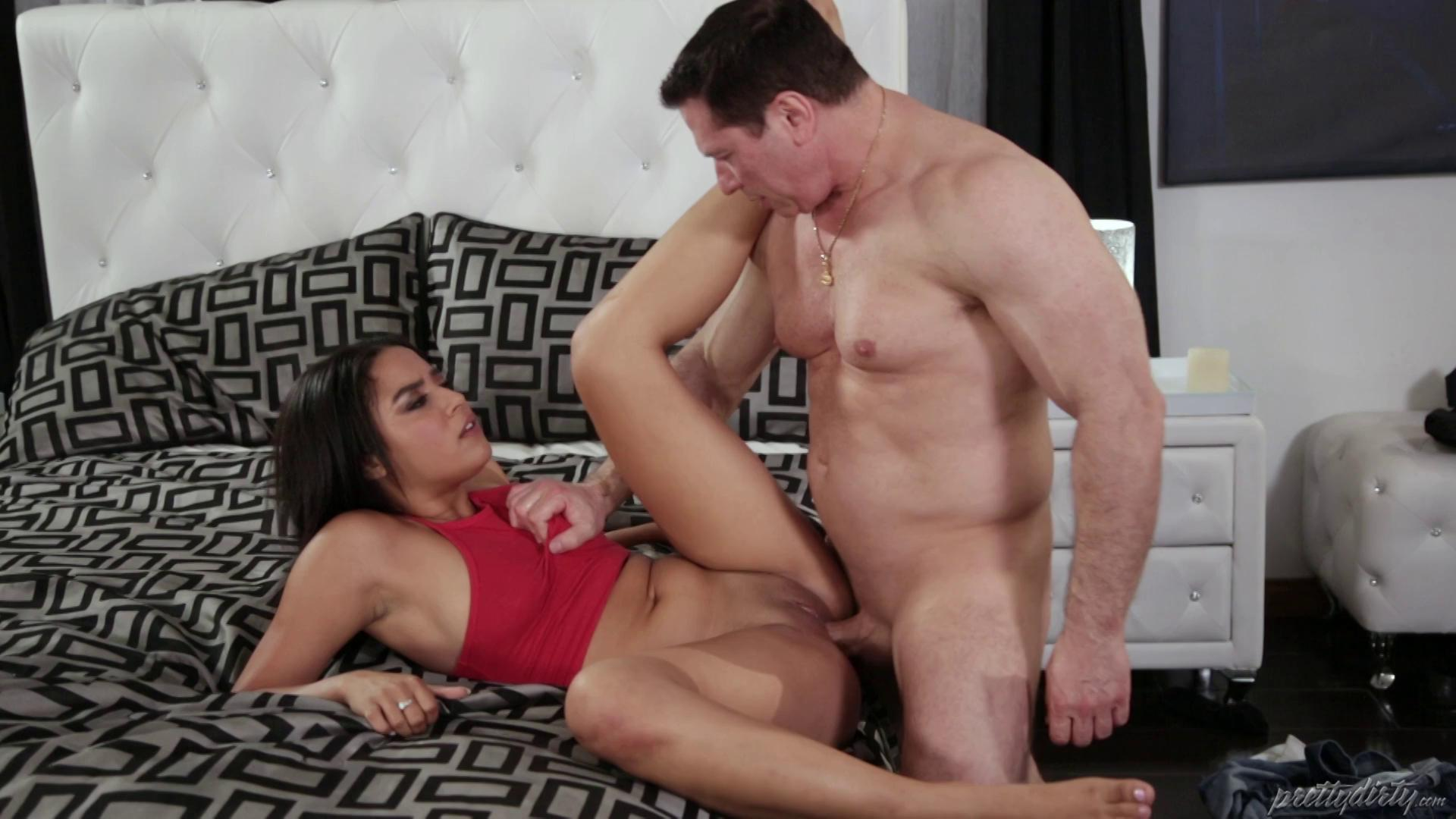 PrettyDirty – Maya Bijou Bad Little Spinner