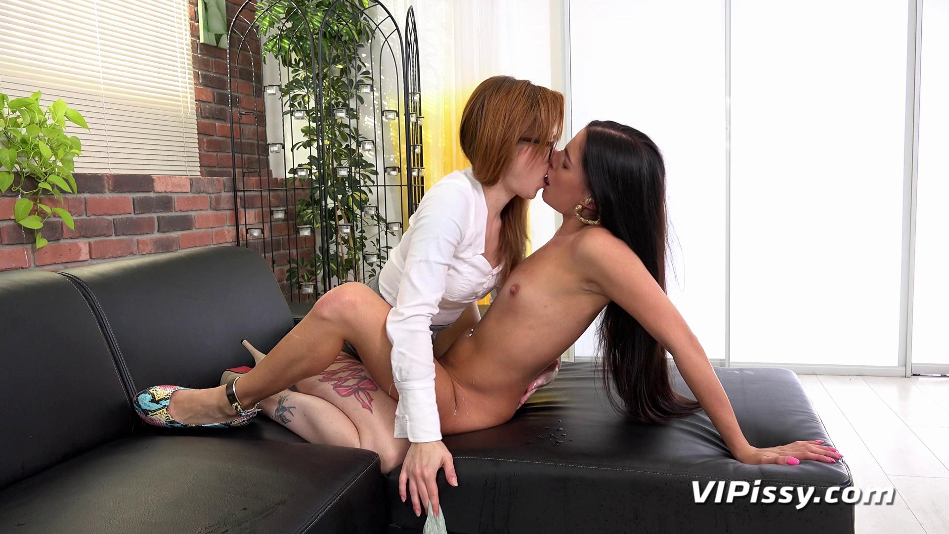 VIPissy – Doroty And Foxie T