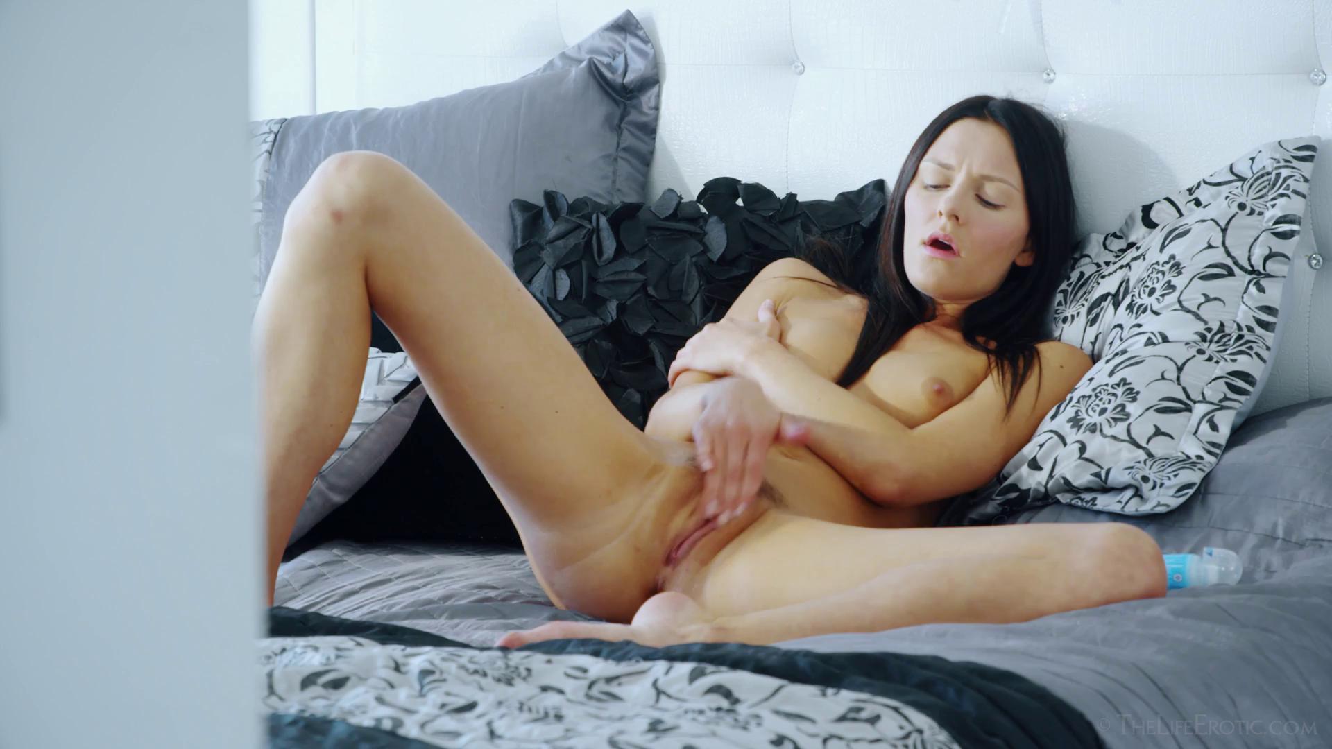 TheLifeErotic – Kira Zen Orgasm Obsession