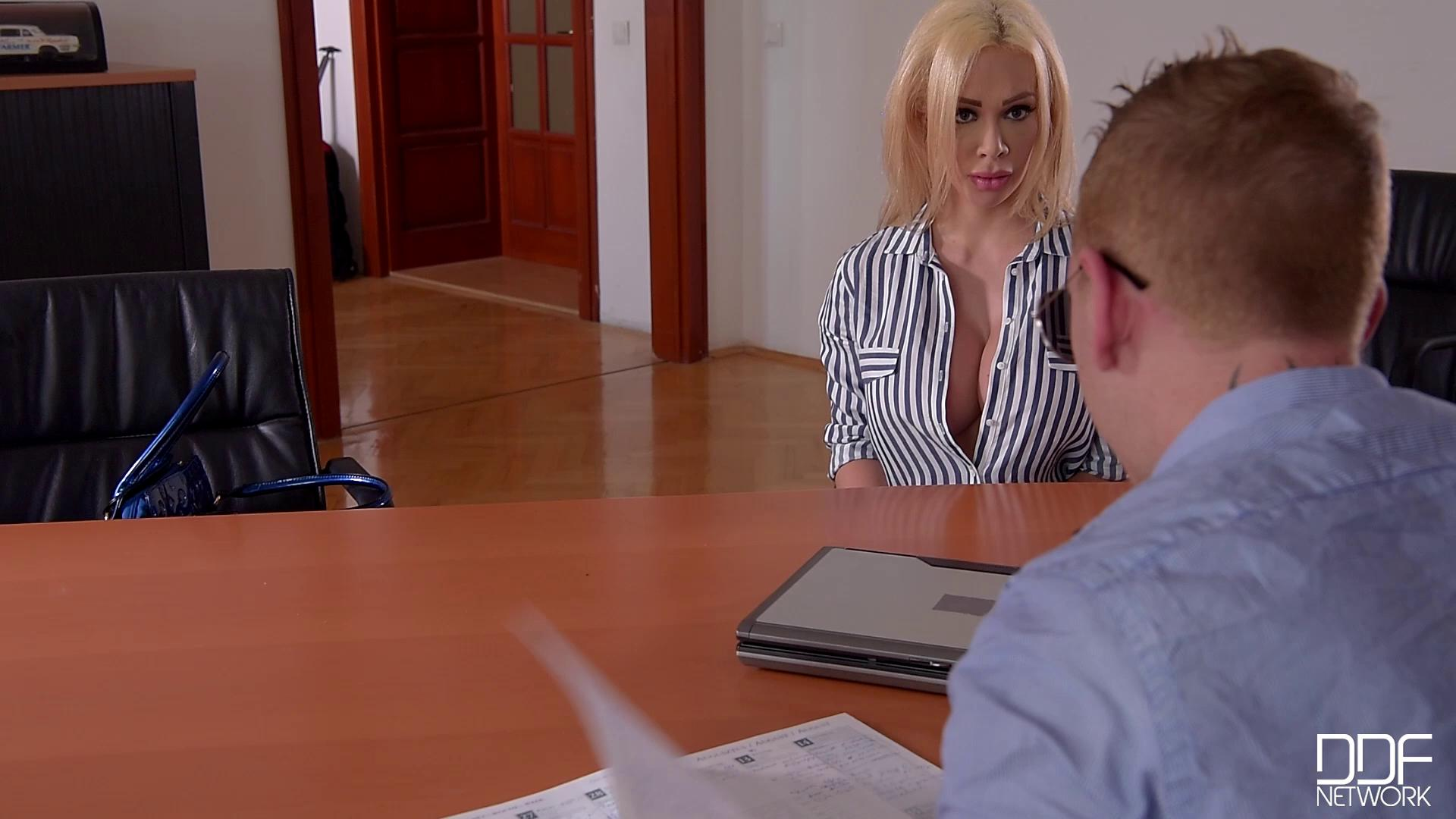 DDFBusty – Chessie Kay