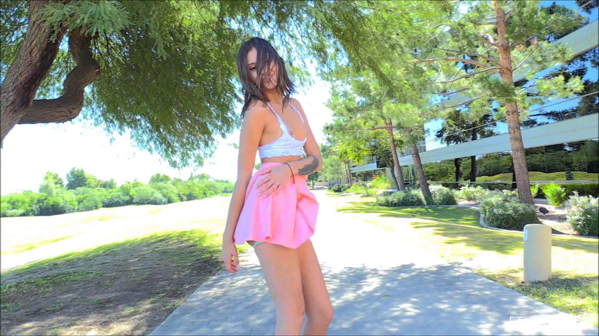 FTVGirls – Roxanna A Confident Return
