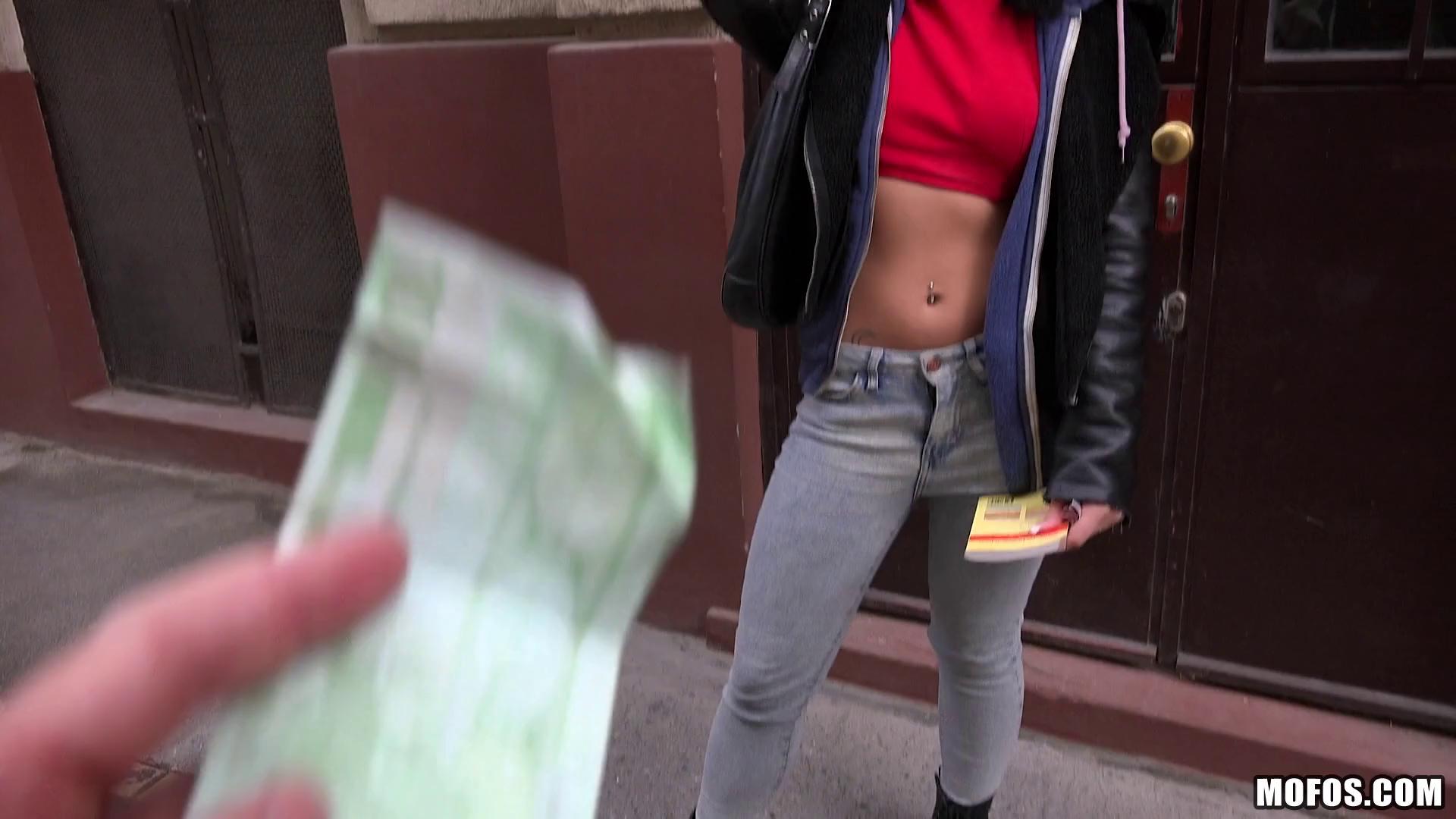 PublicPickUps – Rina Ellis Naughty Tourist Sucks Dick For Cash