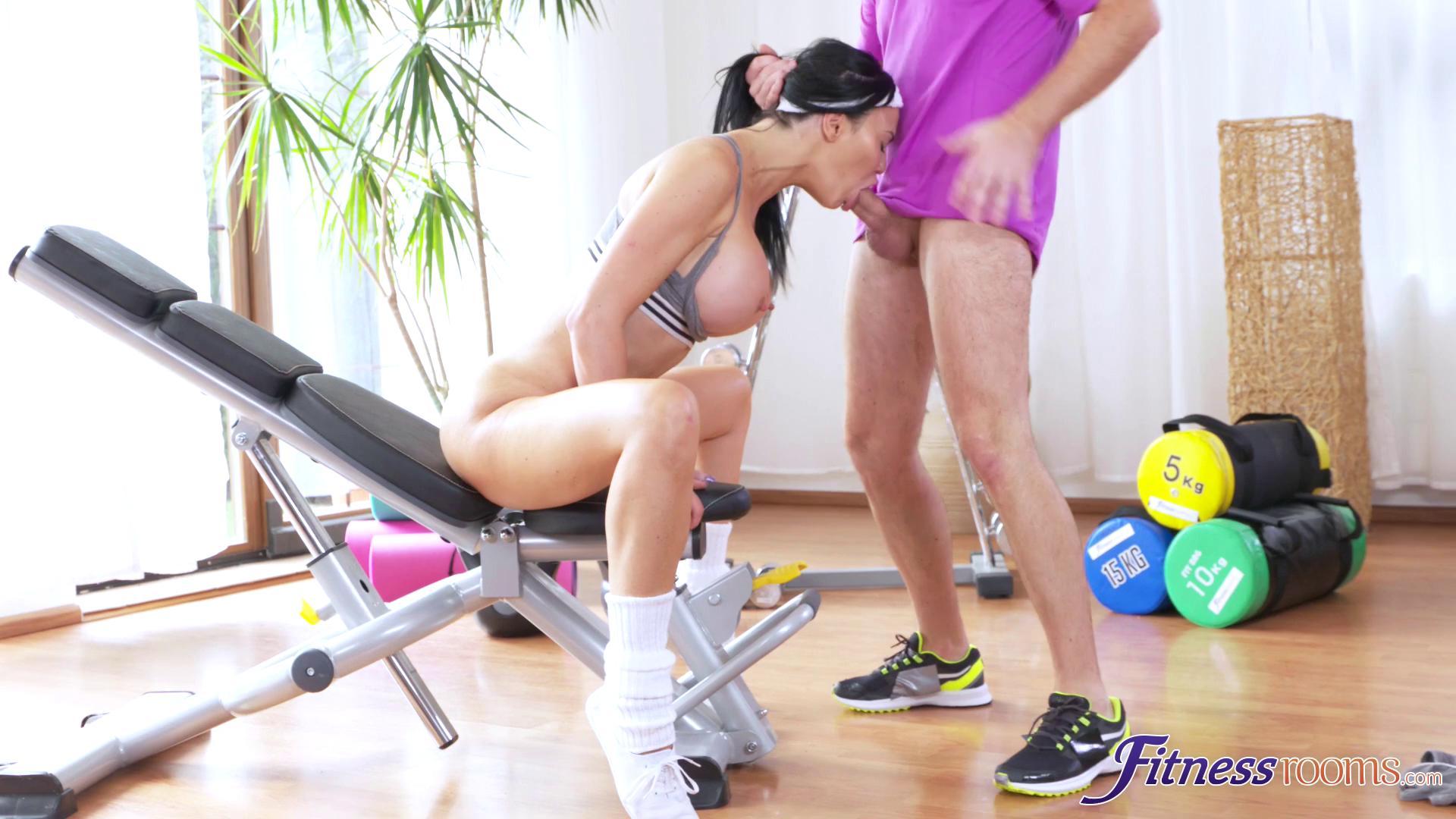 FitnessRooms – Jasmine Jae