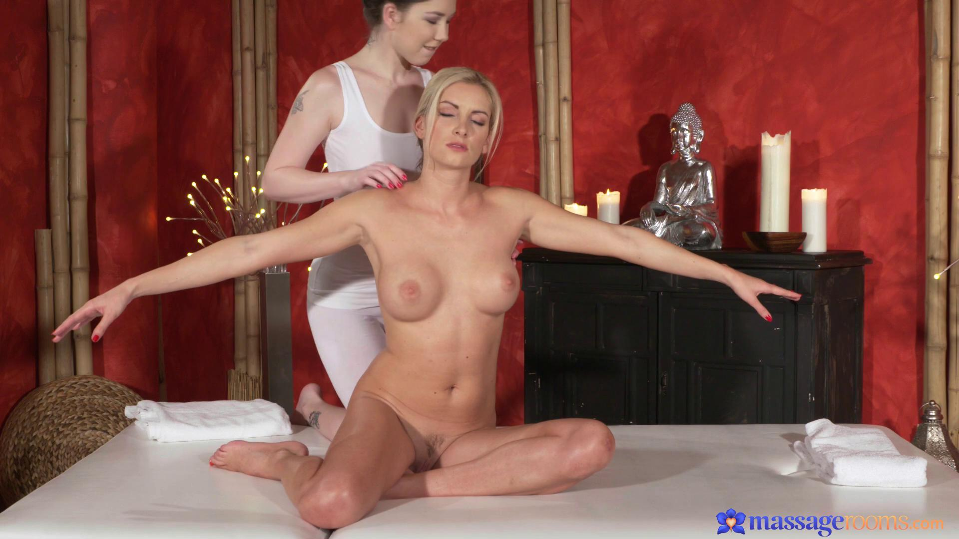 MassageRooms – Bianca Bennet And Daphne Angel