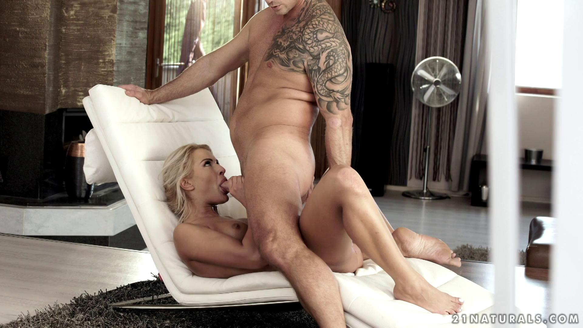 21EroticAnal – Chary Kiss All Natural Blonde