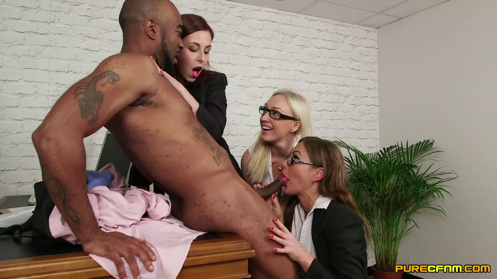PureCFNM – Amber Deen Antonia Sainz And Tina Kay No Fraternizing