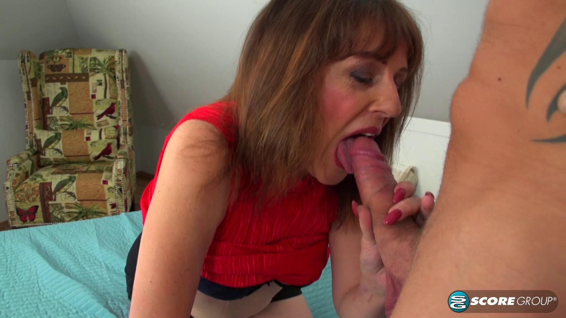PornMegaLoad – Pandora Forget The Pizza This MILF Is Hungry For Cock