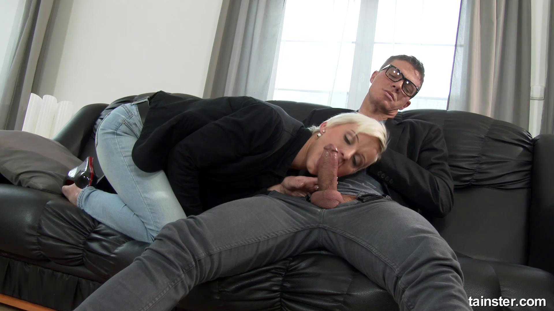 FullyClothedPissing – Janie Sky