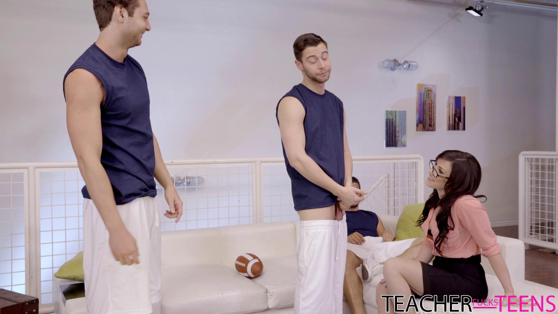 TeacherFucksTeens – Jennifer White The Whole Team