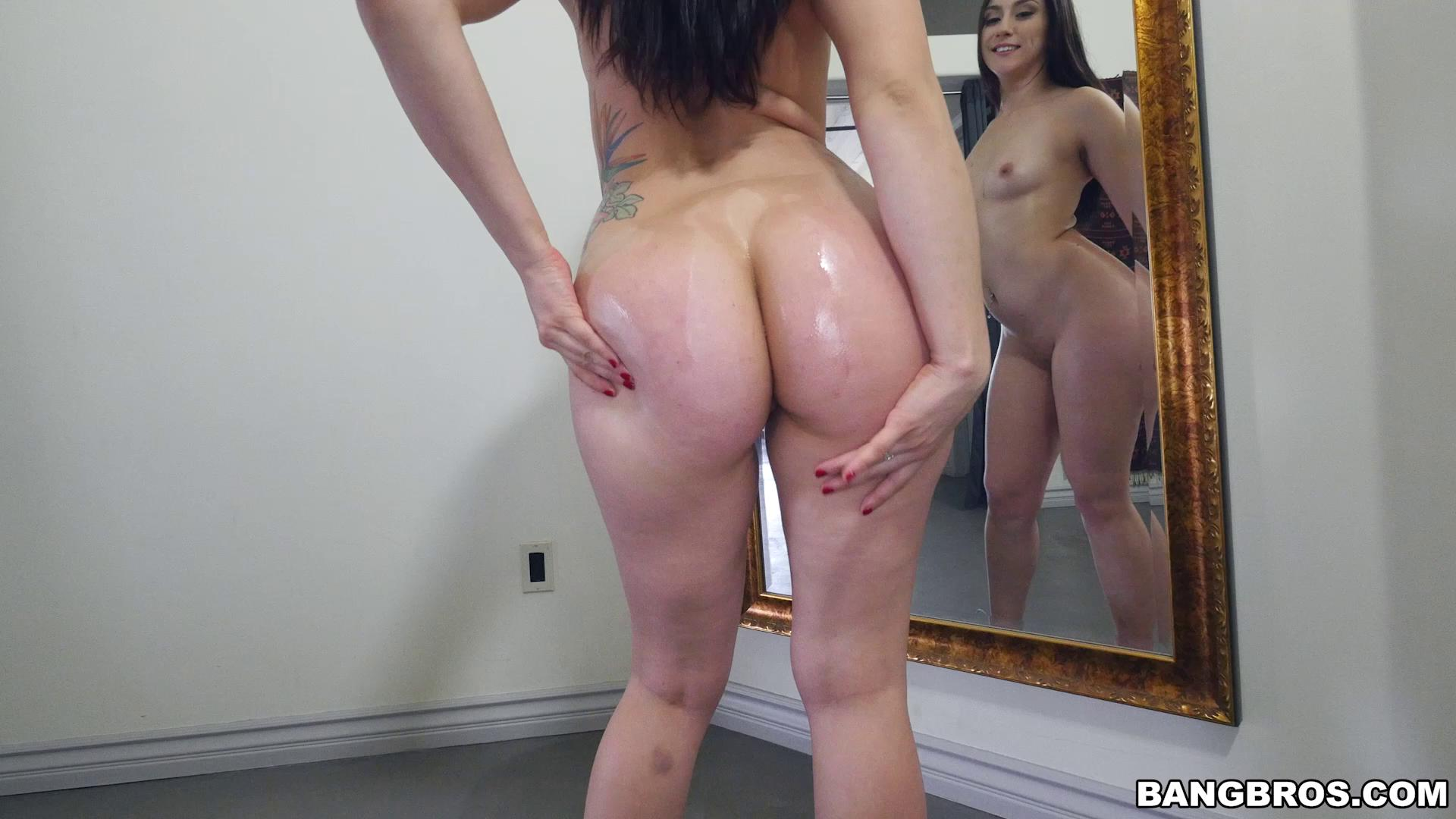 AssParade – Mandy Muse