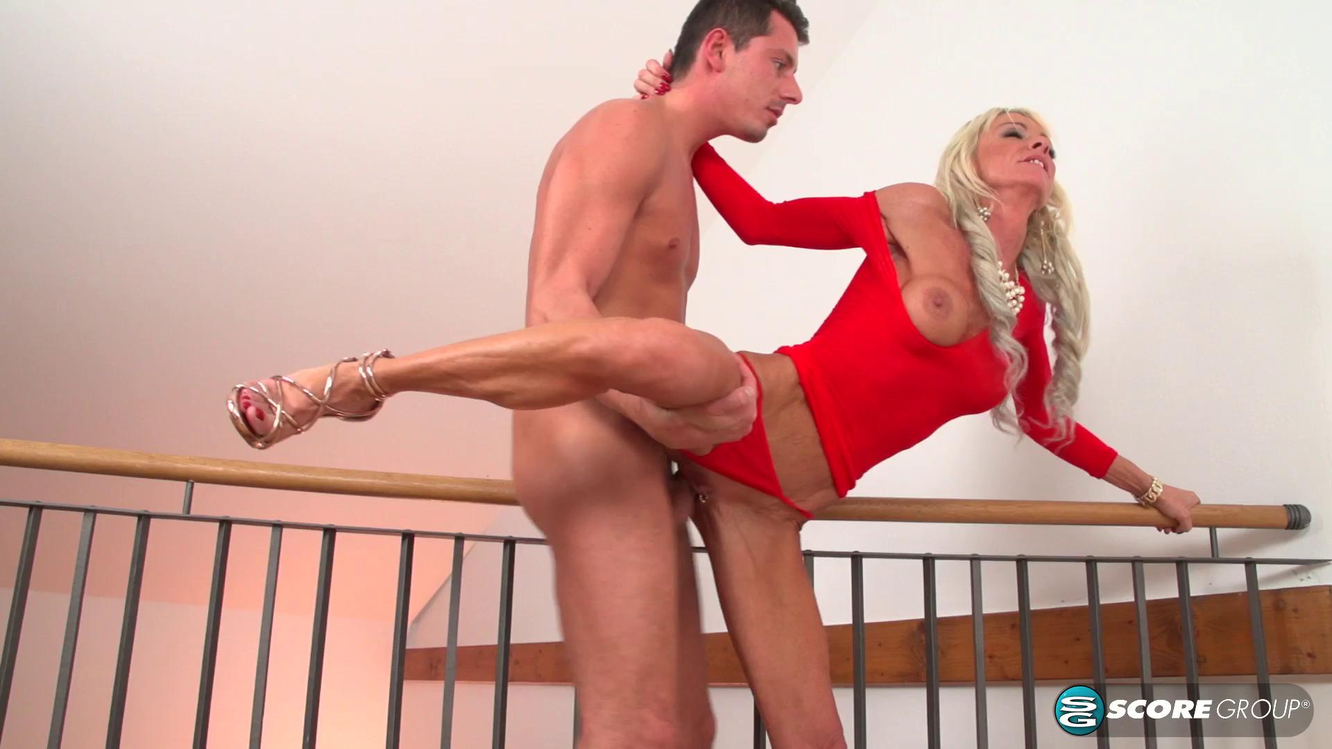 PornMegaLoad – Alexis Starr Alexis And A Younger Guy Make Some Noise