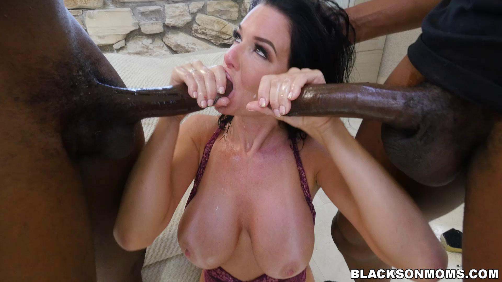 BlacksOnMoms – Veronica Avluv