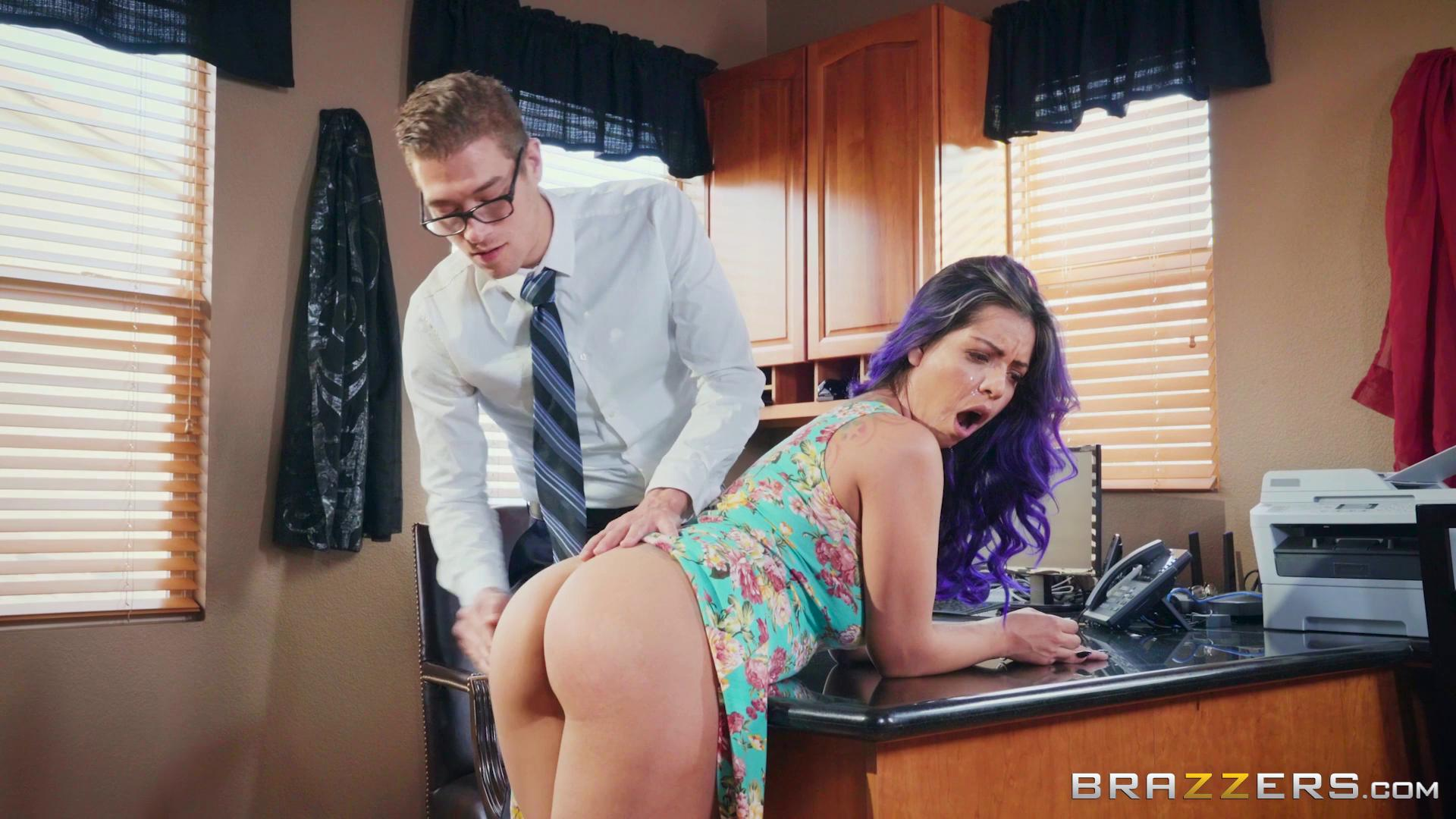 BigButtsLikeItBig – Yurizan Beltran Yurizans Cum Addiction